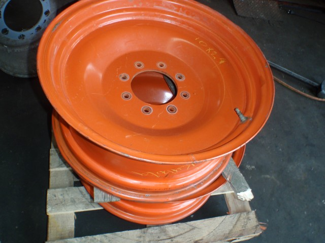 Kubota rims, 8 holes